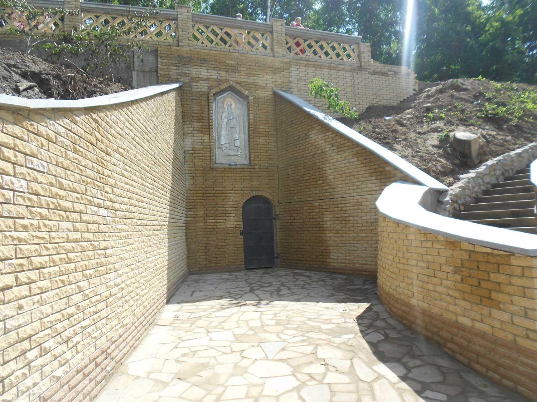 Ближня печера Преподобного Антонія