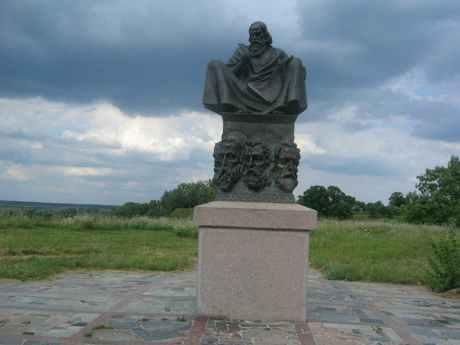 Пам'ятний знак на честь І з'їзду князів 1097 року